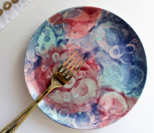 Thousand Oaks Random Round Plate